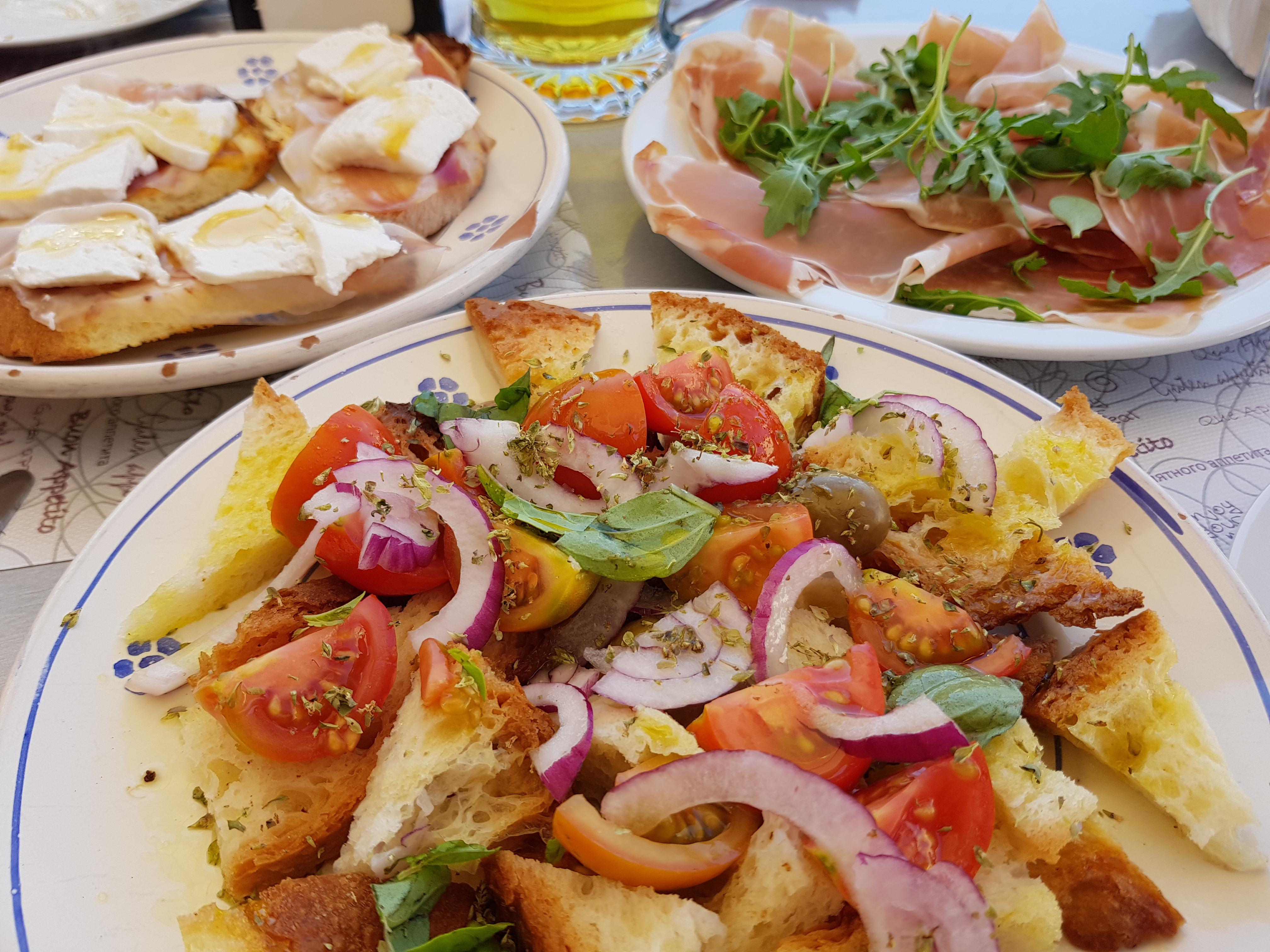 Italian wedding food - luxury wedding planner