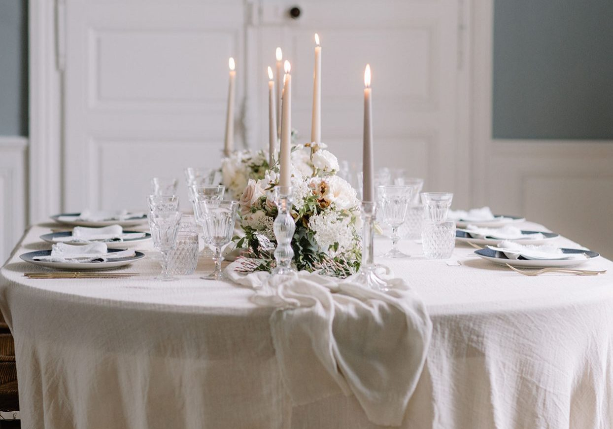 Elegant wedding table styling - luxury intimate wedding and elopement inspiration | Wedding planner and stylist Mirabella Weddings